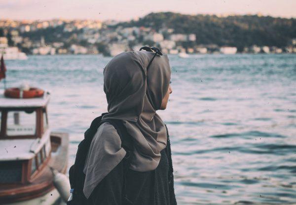 Mengapa Wanita Muslimah Wajib Berhijab?